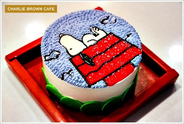 【高雄左營:查理布朗主題餐廳】全台首家查理布朗咖啡店 Charlie Brown Café – 內部裝潢和餐點都超可愛!